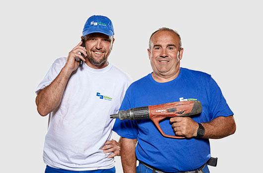 Zwei Kanalarbeiter